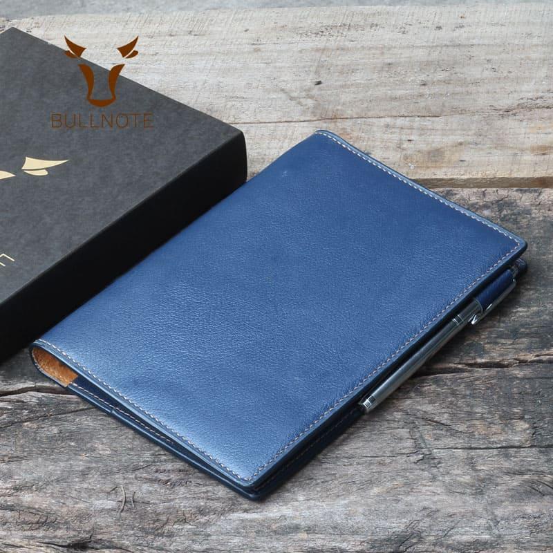 quà tặng công sở cần thiết và thực tế nhất là những cuốn sổ tay tại Bullnote.