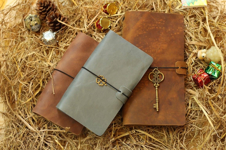 Sổ da Midori Journal thích hợp làm quà tặng gửi gắm trọn ven yêu thương