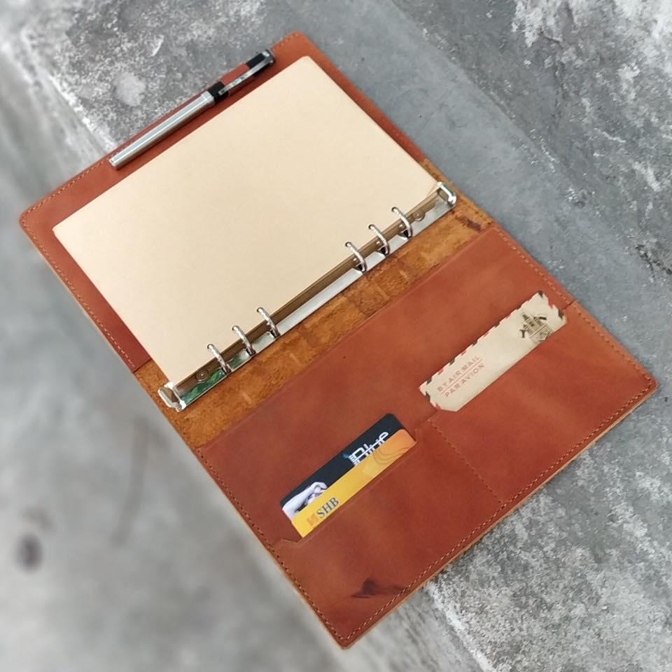 Sổ tay gáy còng innox- cuốn sổ đa năng