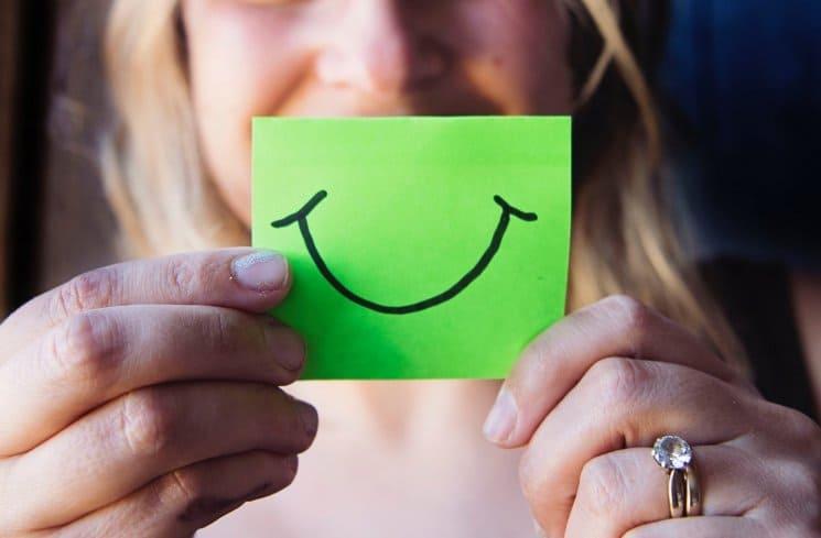 Mỉm cười tự tin quyết định 50% tới sự duyên dáng xinh đẹp của mỗi người phụ nữ